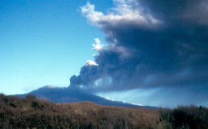 Mt Ruapehu eruption, 1995. <br/> Image source http://www.usgs.gov